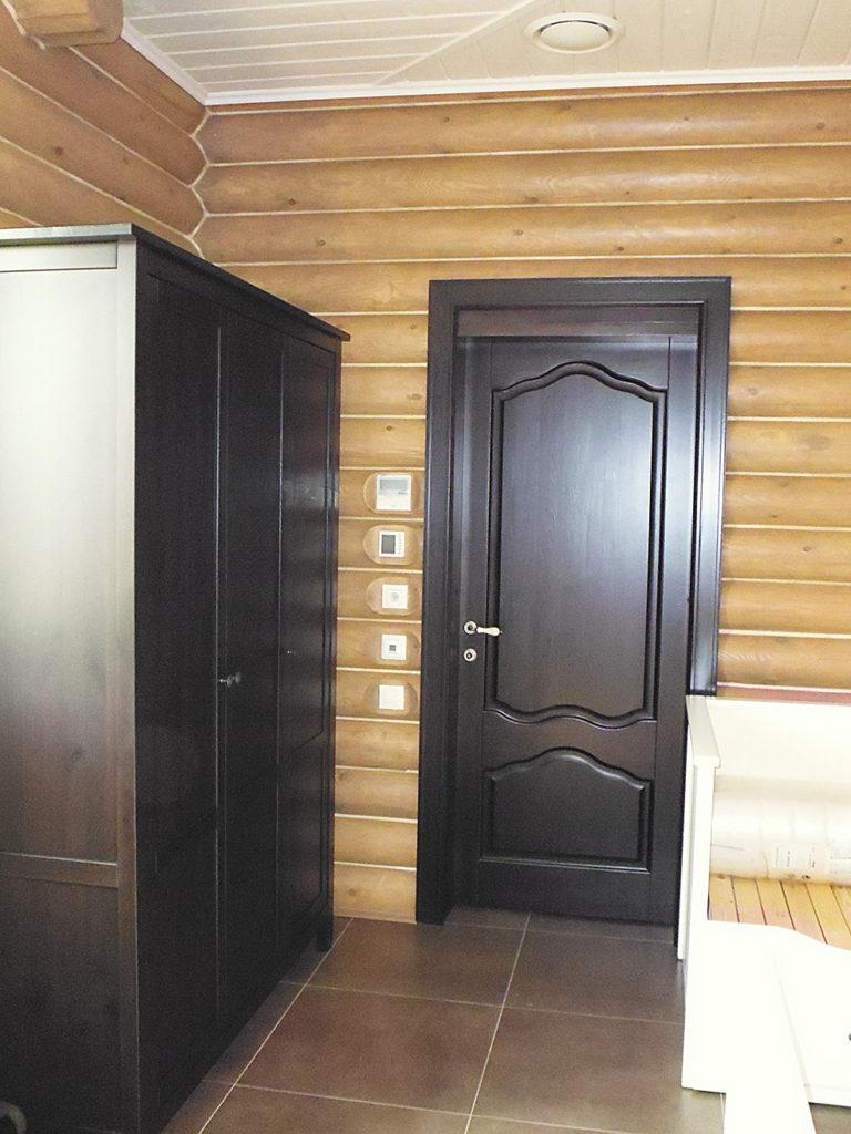 Заказать двери из массива в Ростове