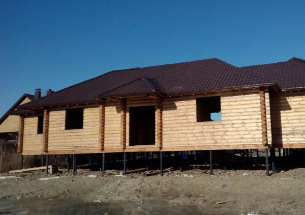 Монтаж дома из сруба и монтаж крыши