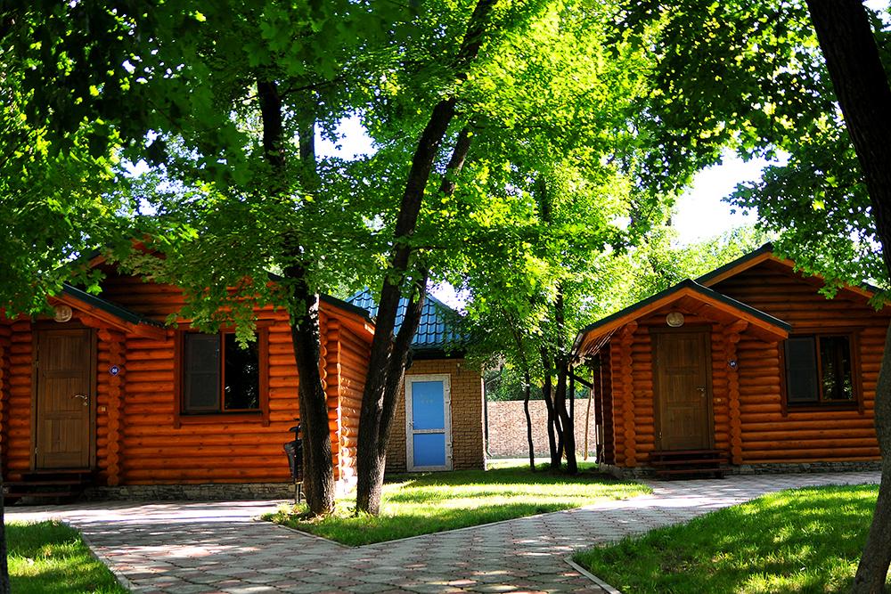 Фото домиков для туристов на базе отдыха
