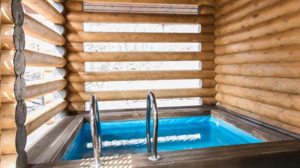 Купель в бане из сруба в Ростове