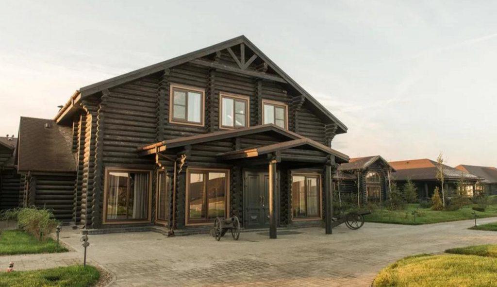 Деревянные дома для клуба или гостиницы