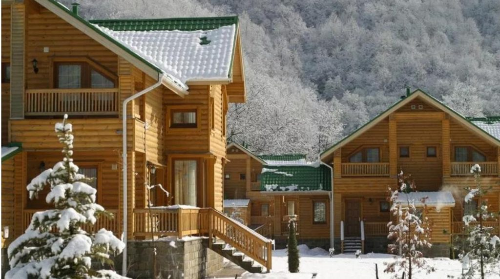 Гостиницы из бревна в Красной Поляне