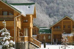 Деревянные гостиницы из сруба и бруса в Красной Поляне