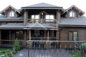 Двухэтажные дома из бревна
