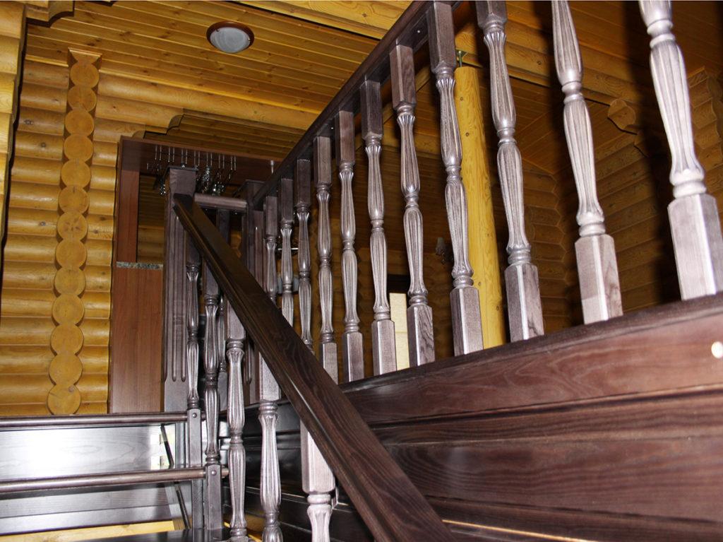 Лестницы деревянные на заказ в Ростове