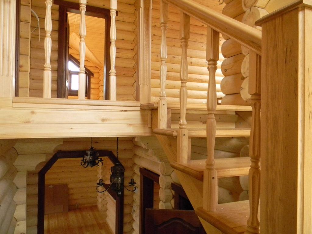 Лестницы из дерева на заказ в Ростове