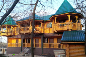 Реализованные дома из оцилиндрованного бревна