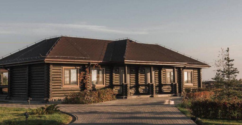 Дом из сруба, оригинальный проект для загородного клуба