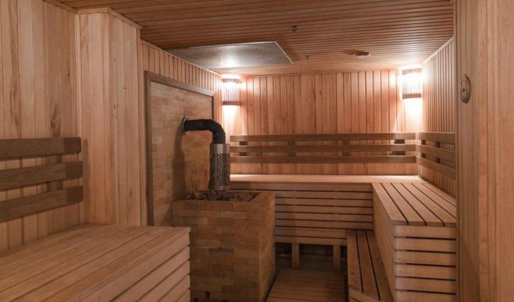 Сауна в деревянной бане