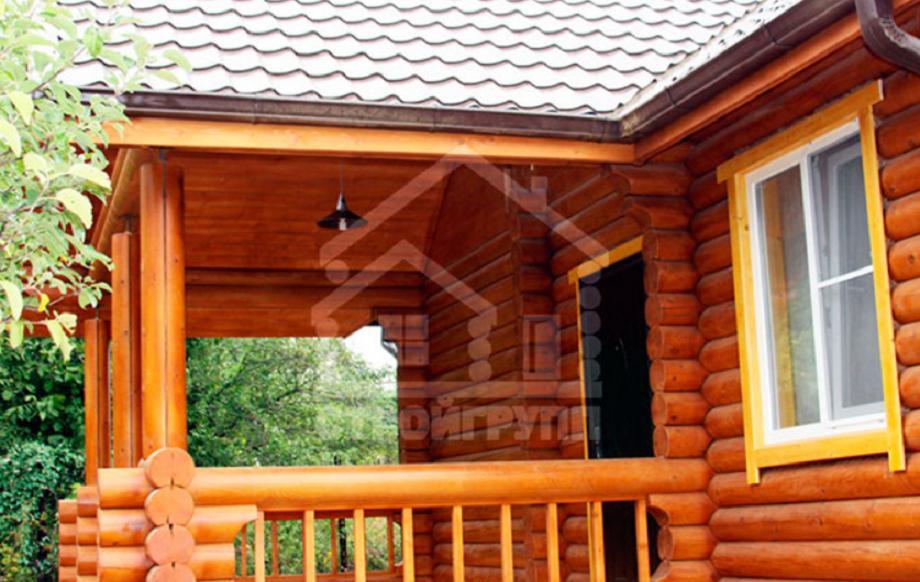 Дачный домик с верандой из сруба