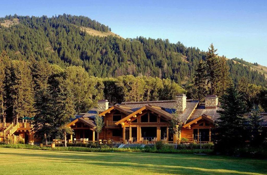 фото Дом из сруба в горах