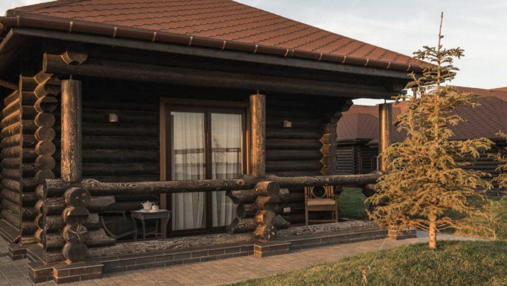 Деревянные гостиницы, рестораны, домики для загородного клуба